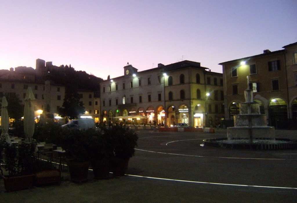 Italy - Colle di val dElsa - Piazza Arnolfo - 2 (1024x699)