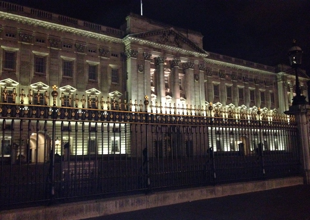 London - Buckingham Palace - Night(1024x768)