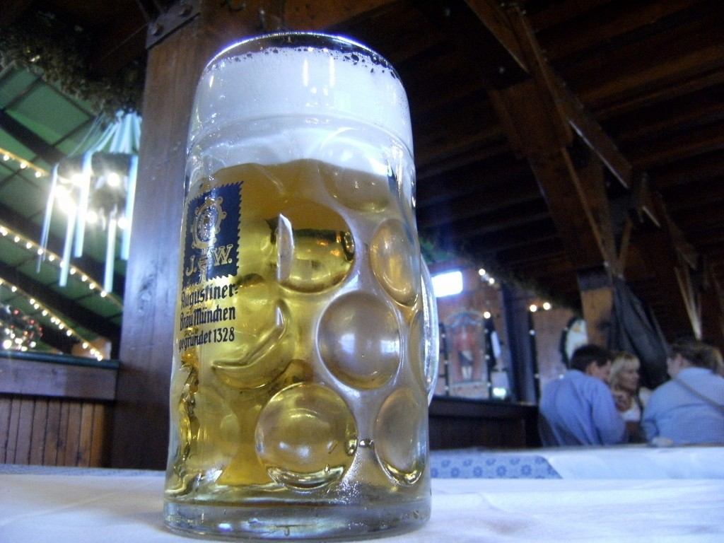 Germany - Munich - Oktoberfest - Beer (1024x768) (2)