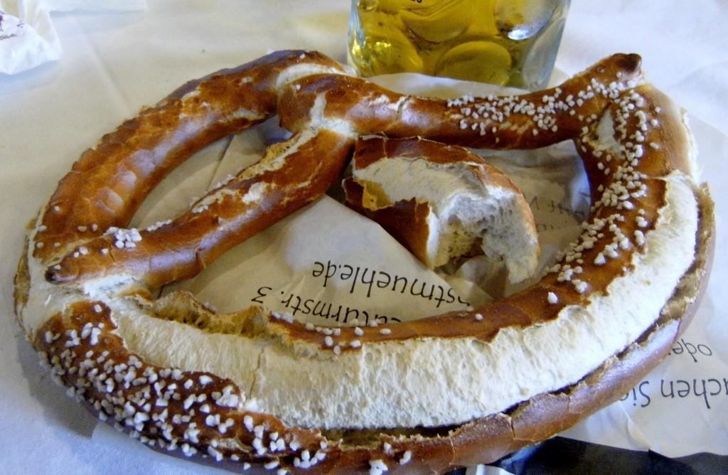 Germany - Munich - Oktoberfest - Pretzel (1024x668) (2)