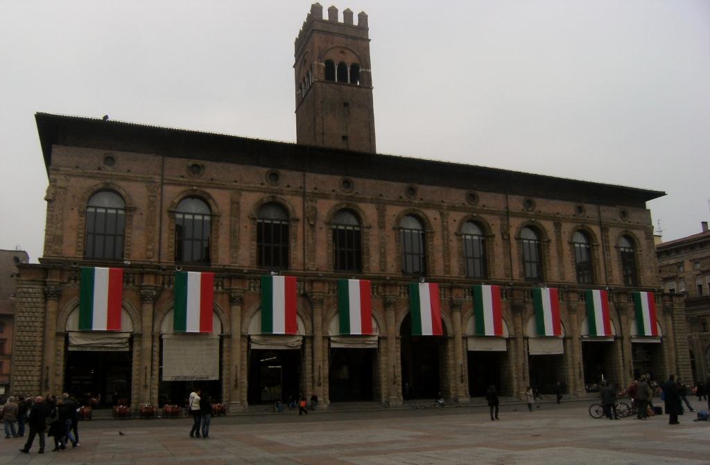 Italy - Bologna - Piazza Maggiore - 2 (1024x671)
