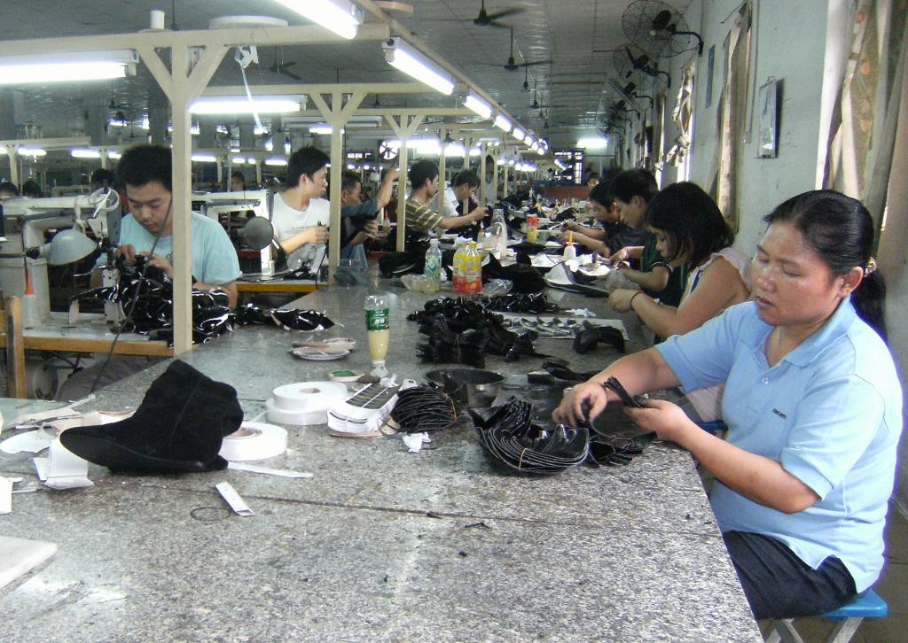 China - Guangzhou - Shoe Factory - 13 (1024x726)