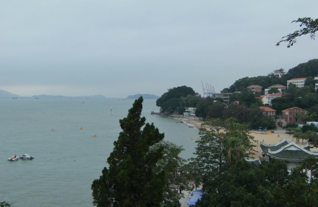 China - Gulangyu Island - Beach - 1 (1024x666)