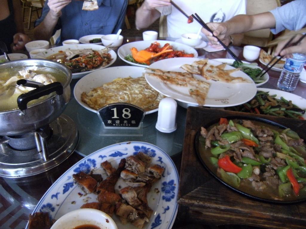 China - Zhengjiajie - Lunch - 2 (1024x768)
